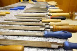 Das Werkzeug hat Dirk Jungbluth aus seiner Werkstatt mitgebracht