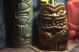 Die Pukiki Bar ist voll von urigen Accessoires