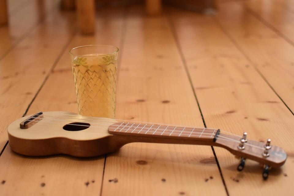 Die Allegro-Sopranino-Ukulele spielt sich süffig wie Apfelwein