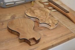 Für das Furnier seiner E-Ukes gibt es viele verschiedene Holzoptionen